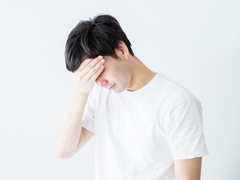寝ても休んでも疲れがとれない現代人、陥りやすい慢性疲労の原因と対策とは